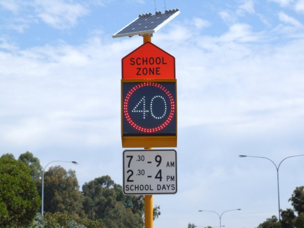 Flashing Speed Limit Signs <br/>(School Zone Signs)